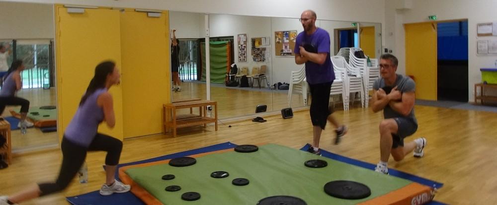 interval training pour la perte de poids et le renforcement musculaire avec de la haute intensit. Black Bedroom Furniture Sets. Home Design Ideas