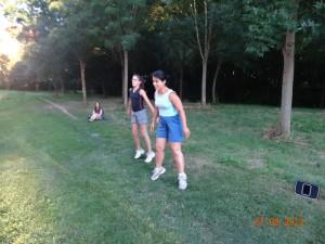 Fatima et Elisa en squat sauté